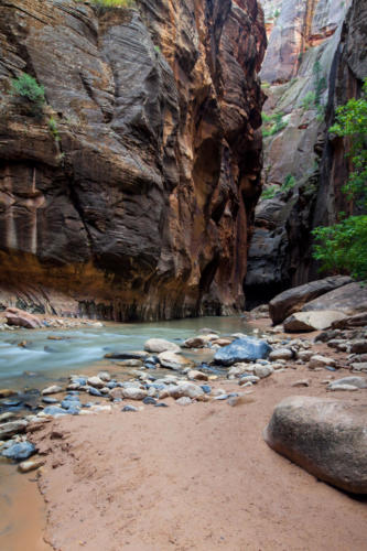Hiking the Narrows,  Zion National Park, Utah #vezzaniphotography