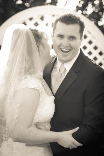 Bride & Groom Wedding Portrait Pose Ideas