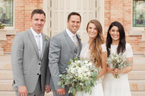 Bride & Groom Wedding Portrait Pose Ideas #vezzaniphotography